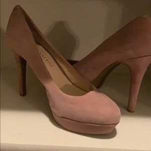Gianni Bini suede nude heels